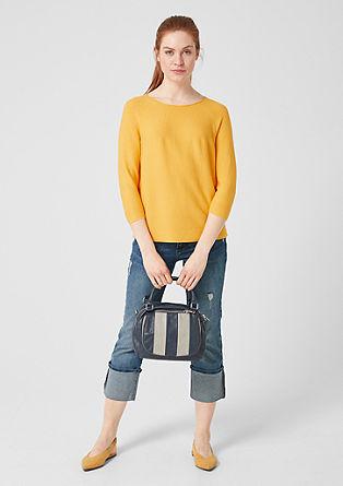 Lehký pulovr ze strukturované pleteniny