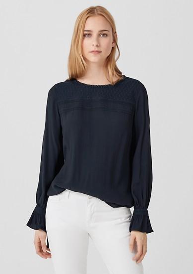 Bluse mit Stitchings