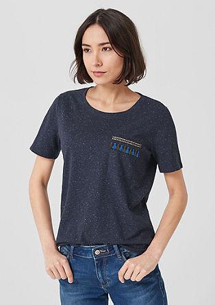 T-shirt met borduursel op de borstzak