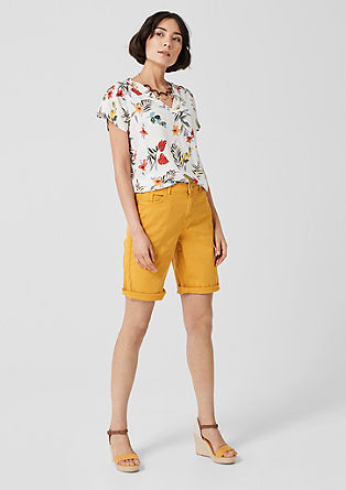 Smart Bermuda: coloured shorts from s.Oliver