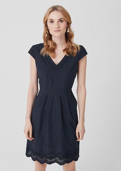 Chambray-Kleid mit Lochstickerei