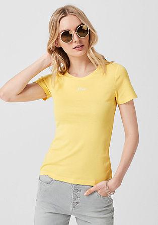 Rebrasta majica z natisnjenim logotipom