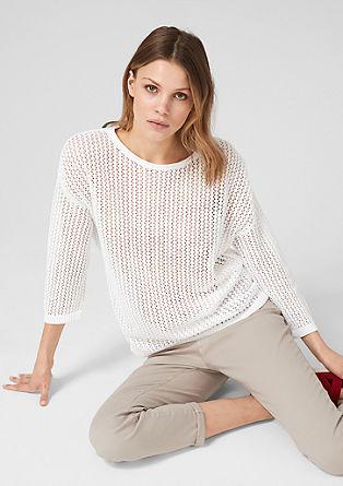 Lahek pulover iz luknjičaste pletenine