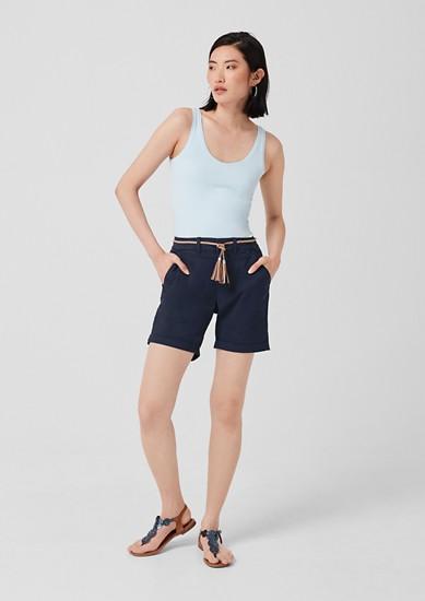 Smart Short: Twillhose mit Gürtel