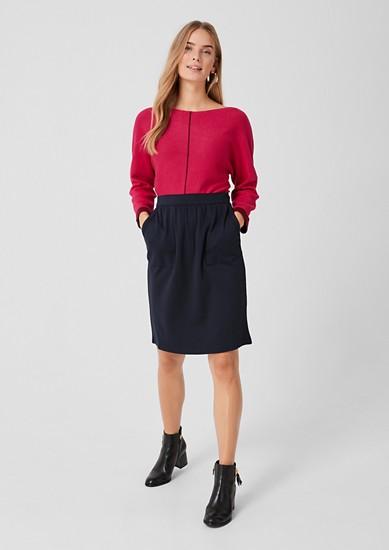 Elegantní žerzejová sukně