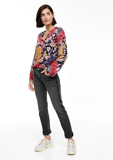 Shape Slim: Jeans mit Samtstreifen