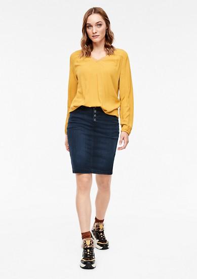Džínová sukně sknoflíkovou lištou