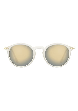 Sonnenbrille im Materialmix