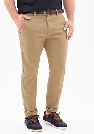 Scube Relaxed: chinos with a belt from s.Oliver