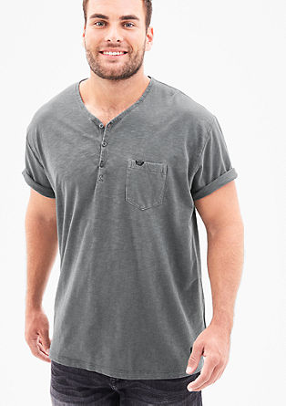 Henleyshirt in garment-dyed