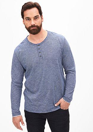 Fein gestreiftes Henley-Shirt