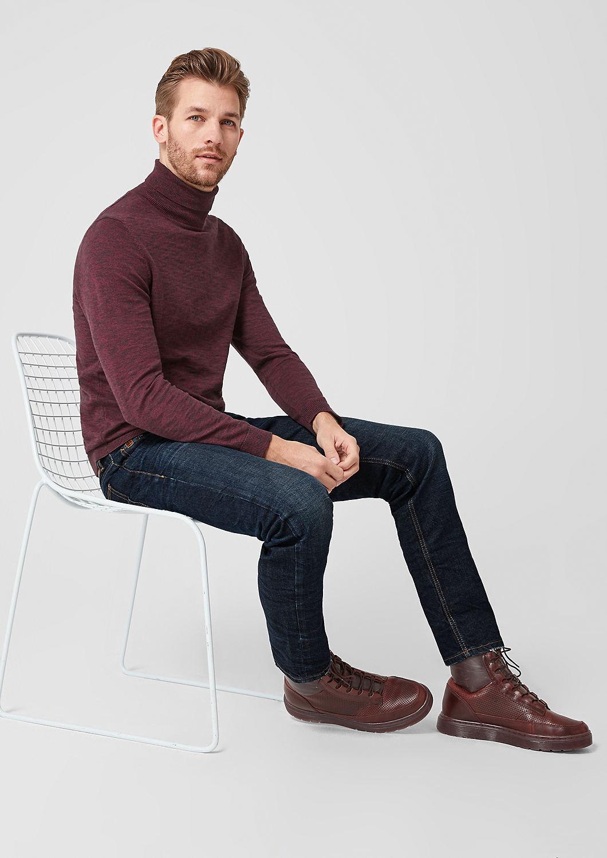 s.Oliver - Close Slim: Jeans im Used-Look - 1