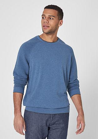 Pulover iz fine pletenine z rebrastimi detajli