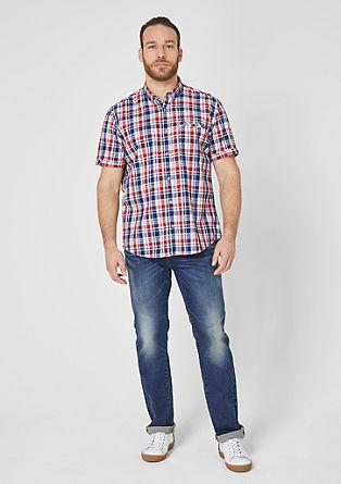 Regular: karirasta srajca z vezenimi detajli