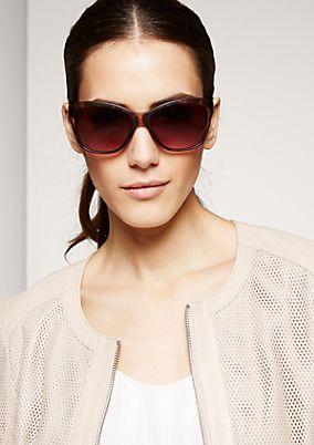 Feminine Sonnebrille mit großen Gläsern