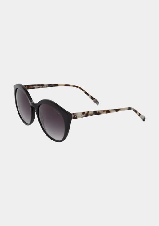 Extravagante Sonnenbrille mit extrabreiter Fassung