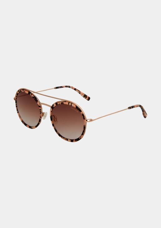 Moderne Sonnenbrille mit schmalem Augenrand