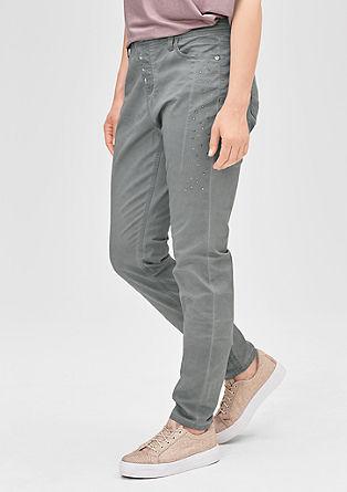 Fancy Fit: Raztegljive hlače s kovicami