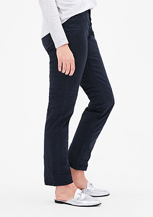 Curvy: Crinkle stretch trousers from s.Oliver