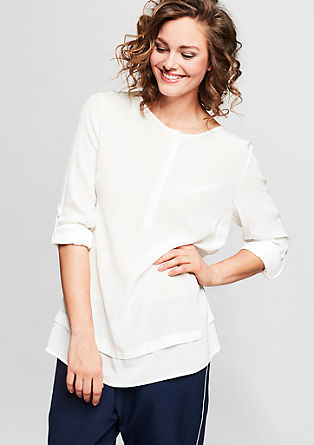 Layer-Look-Bluse mit Perlmutt