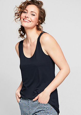 Top with chain-stitched edges from s.Oliver