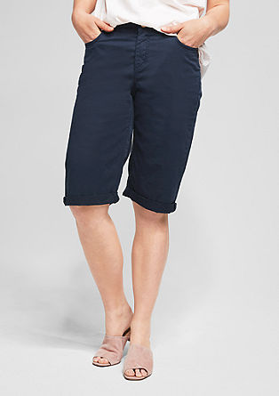 Curvy: coloured Bermudas from s.Oliver