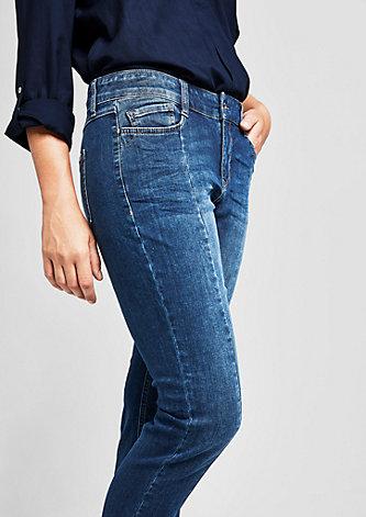 Curvy: Jeans mit Ziernähten