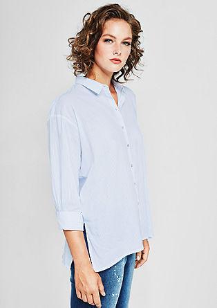 Sproščena bluza s tankimi črtami
