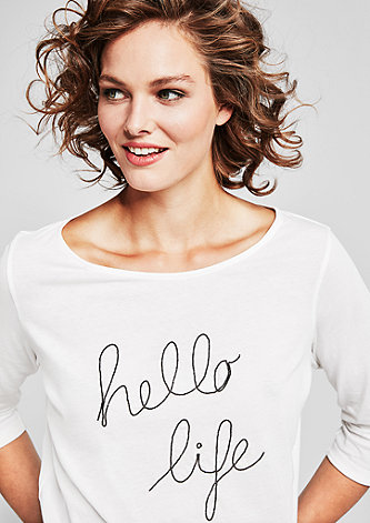 Shirt mit Schmuckperlen-Schriftzug