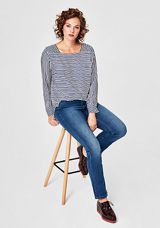 Curvy Slim: classic blue jeans from s.Oliver