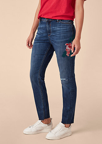 Fancy Boyfriend: Bestickte Ankle-Jeans