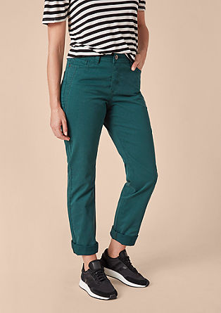 Curvy slim: coloured jeans