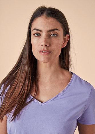 Basic-Shirt mit V-Neck