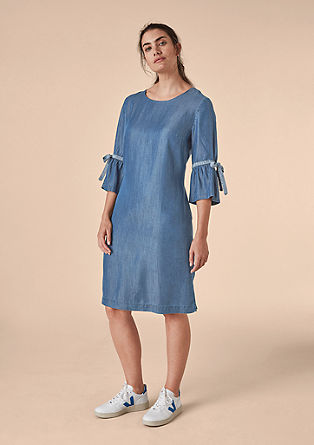 Letní džínové šaty