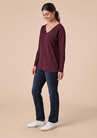 Shirt met V-hals en knopen op het rugpand