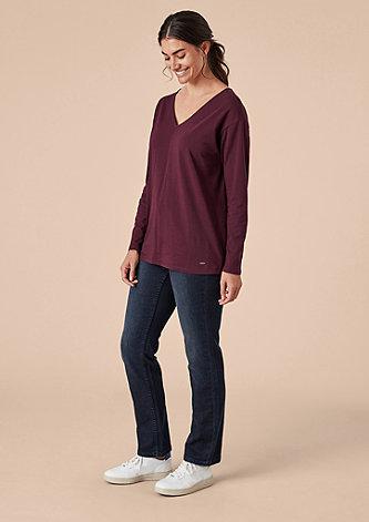V-Neck Shirt mit Knöpfen am Rücken