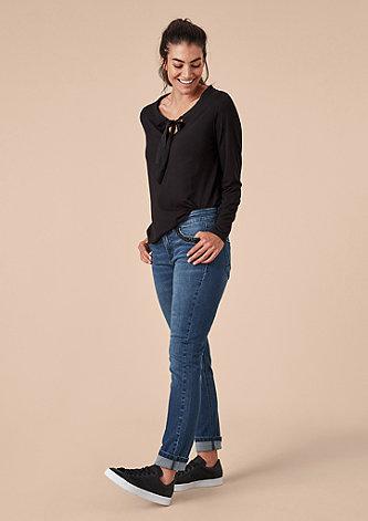 Curvy Slim: Jeans mit Schmucksteinen