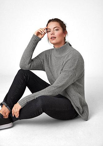 Flauschiger Stehkragen-Pullover