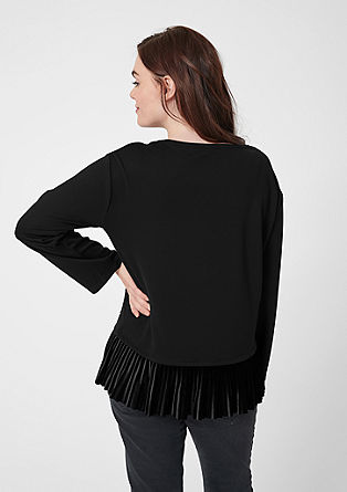 Top with a pleated velvet hem from s.Oliver