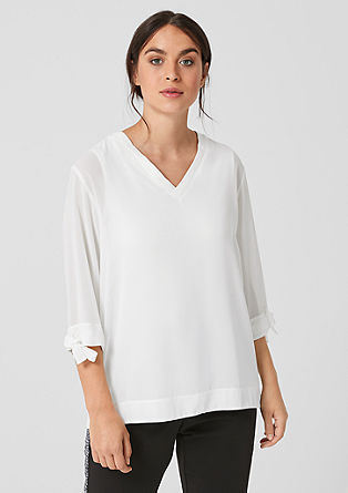 Crêpe blouse with a ruffled V-neckline from s.Oliver