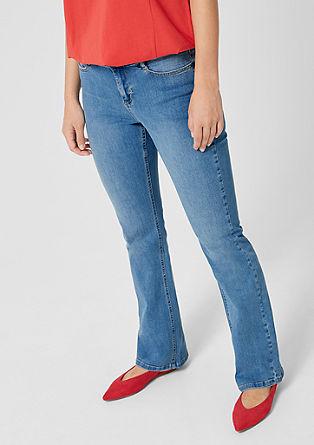 Curvy Flared Leg: Raztegljive jeans hlače