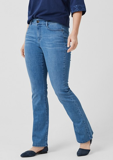 Curvy Flared Leg: Denim