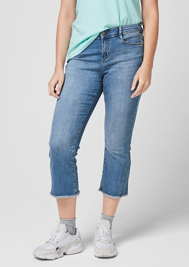 Curvy Kick Flared Leg: Stretchjeans