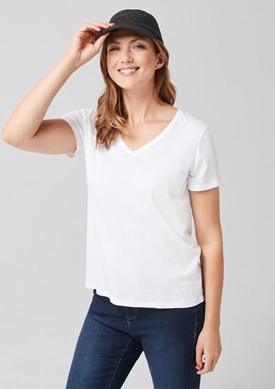Žerzejové tričko se špičatým výstřihem