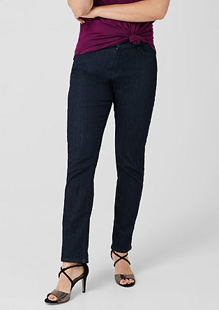 Curvy Straight Leg: Dunkle Jeans
