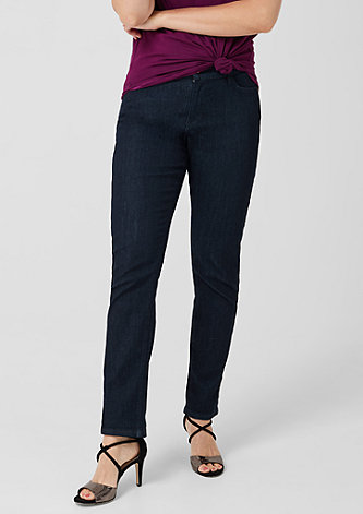 Curvy Straight Leg: Dunkle Jeans