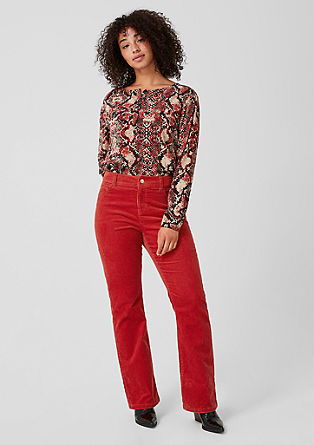 Curvy Flared Leg: corduroy trousers from s.Oliver