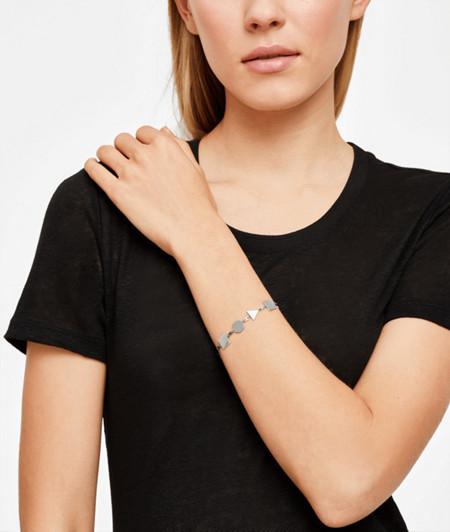 Armband aus geometrischen Elementen