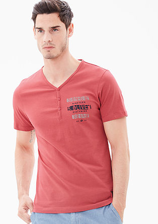 Slim: Button-fastening V-neck T-shirt from s.Oliver