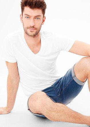 Slim: V-Neck-Shirt mit Knöpfen